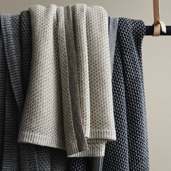 Raindrops Plaid Throw - Grey