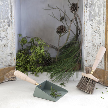 Emma Shovel & Brush Set - Lichen Beech