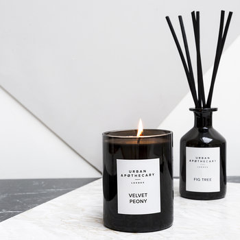 Luxury Scented Candle - Black Glass - Velvet Peony