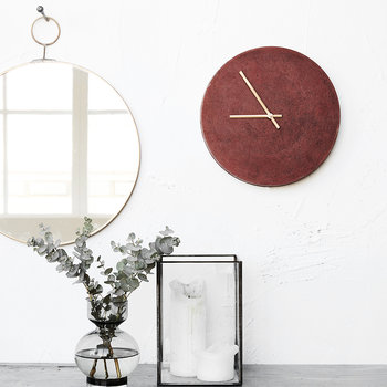 Inuse Wall Clock
