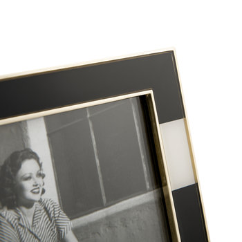 Everdone Lane Photo Frame - Black & White - Fat Stripe - 4x6""