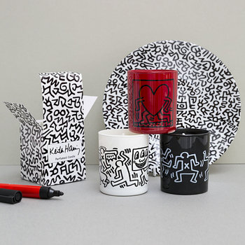 Keith Haring Scented Candle - Running Heart - Cinnamon, Caramel & Apple