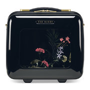 take-flight-vanity-case-highland