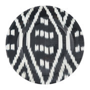 ceramic-ikat-dinner-plate-black-white