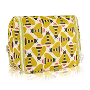 hanging-wash-bag-busy-bee