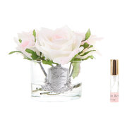 roses-in-white-glass-with-giftbox-blush