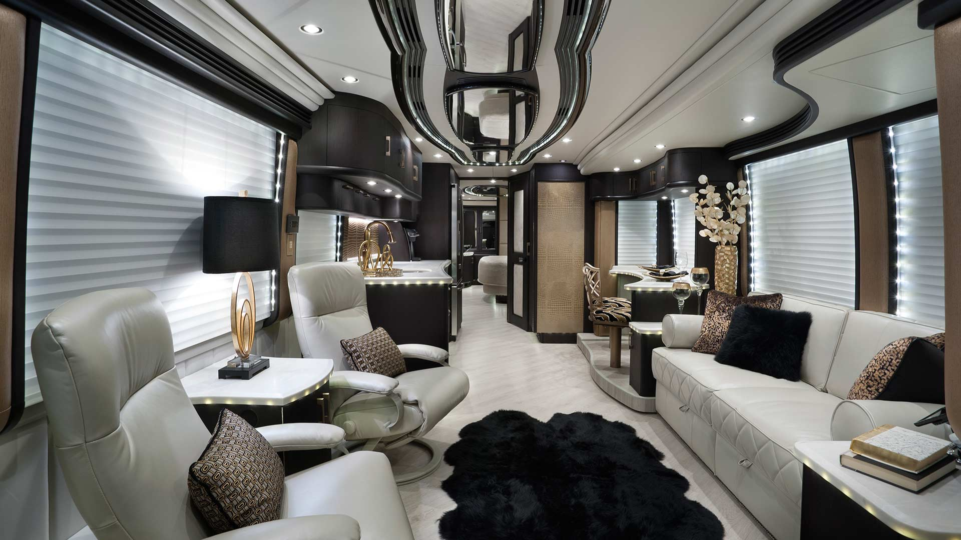 Attirant The Worldu0027s Most Luxurious Motorhome Interiors