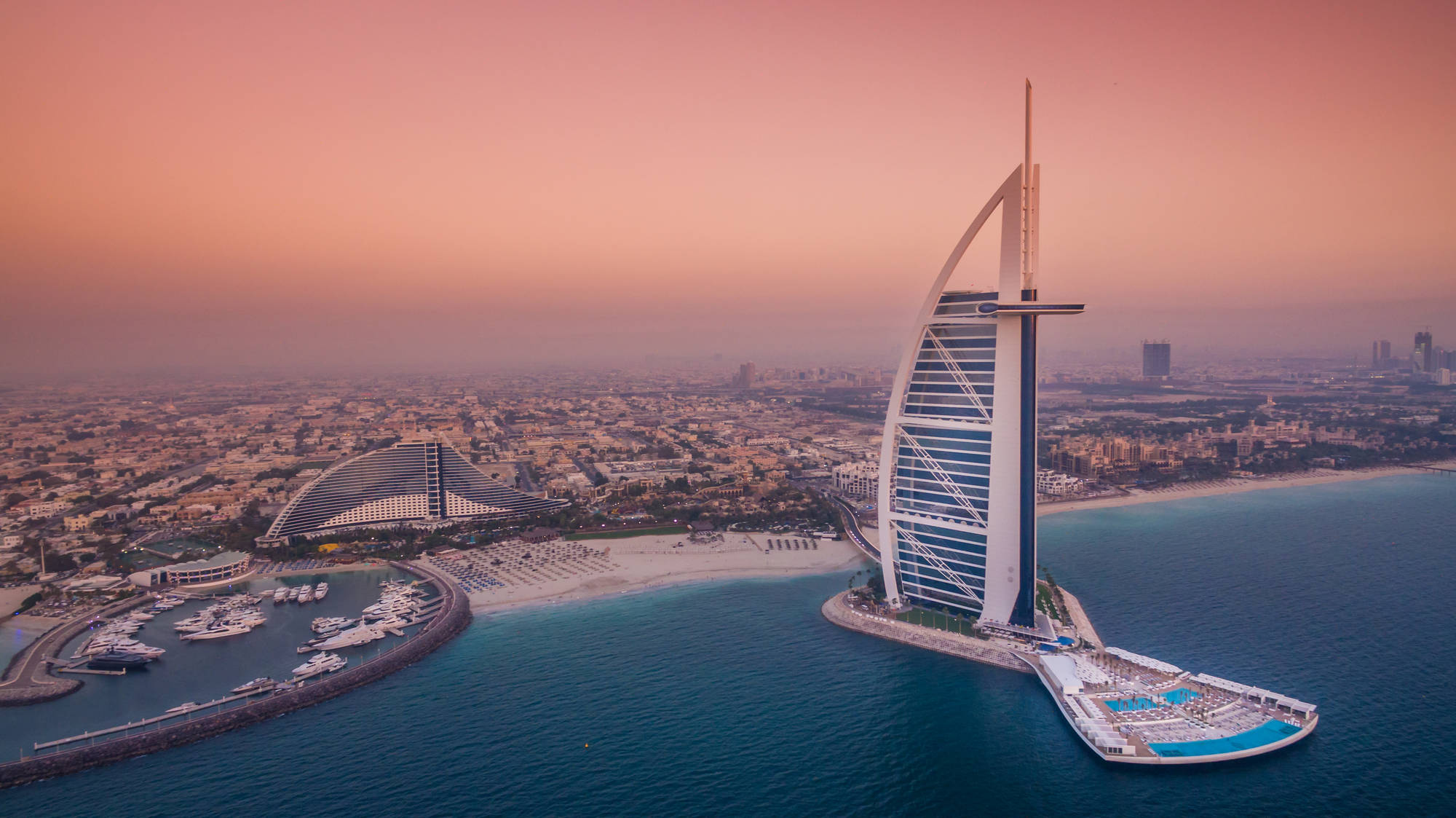 Burj al arab inside the world s most luxurious hotel for Burj al arab the most luxurious hotel