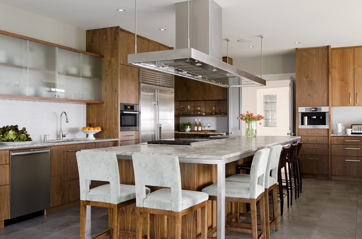 Kristina-Crestin-Interior-Design-Massachusetts-Farmhouse-Kitchen
